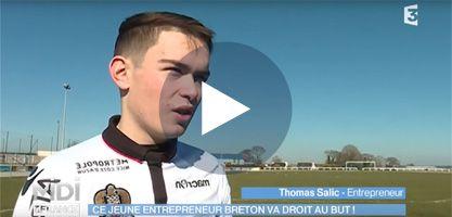 Thomas Salic, jeune créateur de coques de portables floquées foot à Guingamp